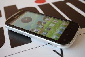 Обзор смартфона ThL V9