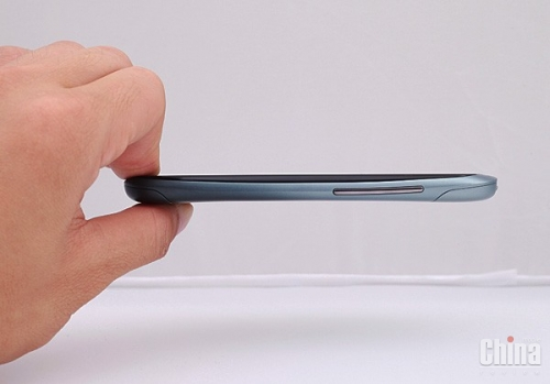 Смартфон Goophone X1 - копия HTC One S