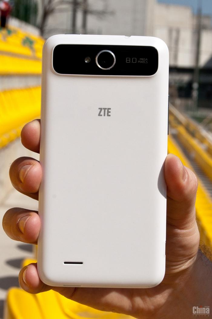 Обзор ZTE V987