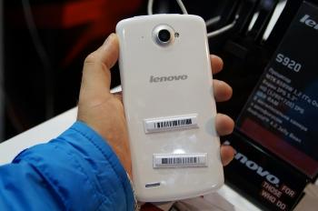 Китайцы на выставке CEE 2013 (Lenovo)