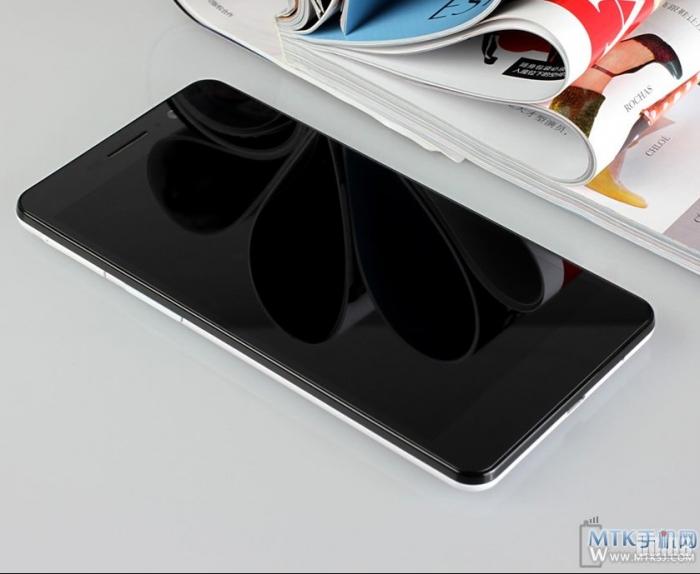 Фотообзор стильного фаблета Pomp C6