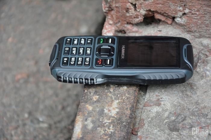 «Молот» телефон Hummer H2