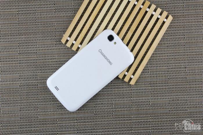 Фотообзор смартфона Changhong C808 с аккумулятором на 4000 мАч