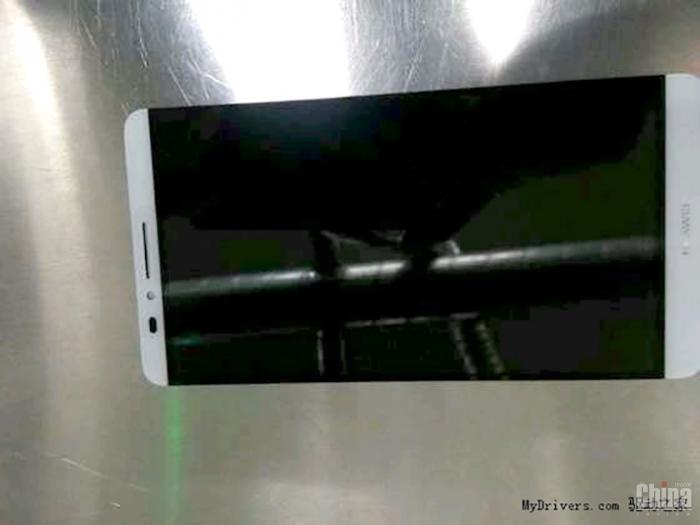 Утечка фото и характеристик Huawei Ascend D3