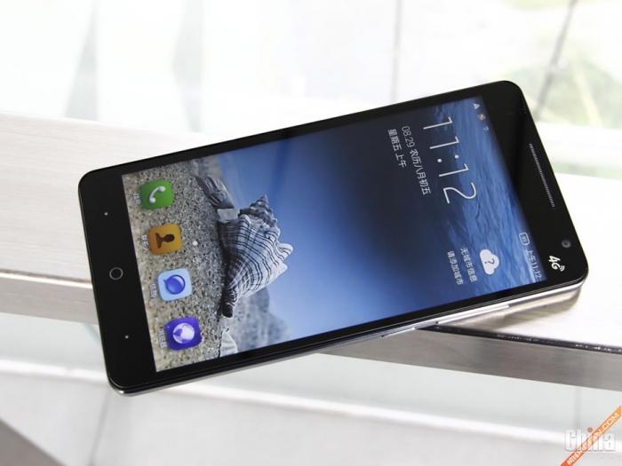 Фотообзор смартфона Pioneer K88L