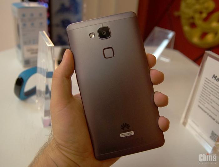 Презентация Huawei Mate 7, G7 и TalkBand B1 в Киеве