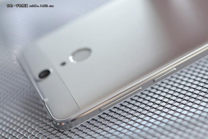 Фотообзор бизнес-смартфона Kobee H6