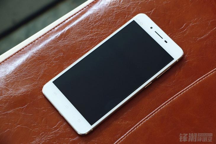 Фотообзор музыкального смартфона Vivo X6
