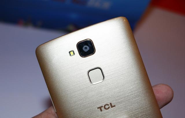 Бюджетные новинки TCL Play 2 и Play 2C со сканером