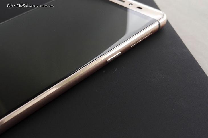 Фотообзор имиджевого смартфона Coolpad TipTop Max