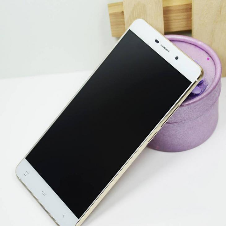 VKWORLD Discovery S2 – стильный смартфон с 3D-экраном