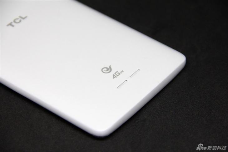 Фотообзор бюджетного смартфона TCL Play 2C со сканером
