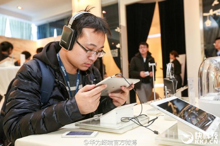Объявлены китайские цены на 10-дюймовый планшет Huawei Mediapad M2