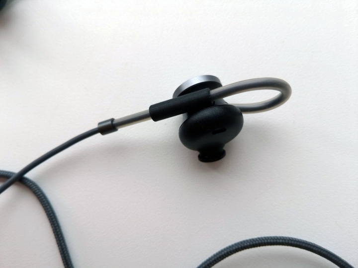 Huawei AM180 - Hi-Fi гарнитура с активным шумоподавлением