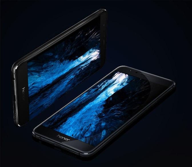 Продано 1,5 млн смартфонов Honor 8