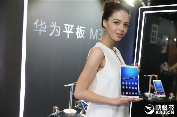 Huawei MediaPad M3 ���������� ����������� � �����