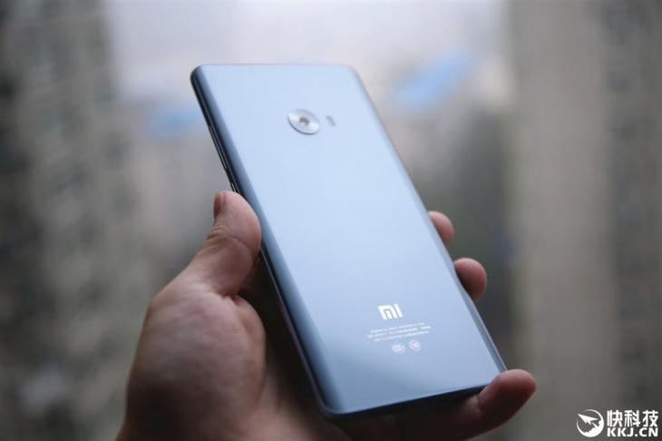 Примеры фото сделанных на камеры Xiaomi Mi Note 2 и iPhone 7 Plus