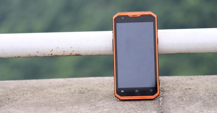 Представлен защищенный смартфон Vphone M3