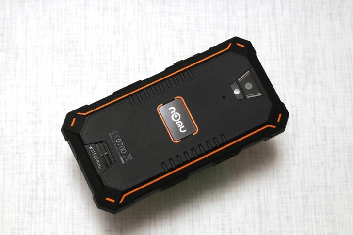 Обзор защищенного смартфона Nomu S10 - в жару, мороз и воду