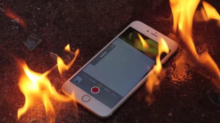 Восемь iPhone вспыхнули в Китае