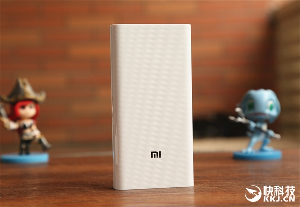 Фотообзор Xiaomi Mi Power Bank 2 на 20 000 мАч