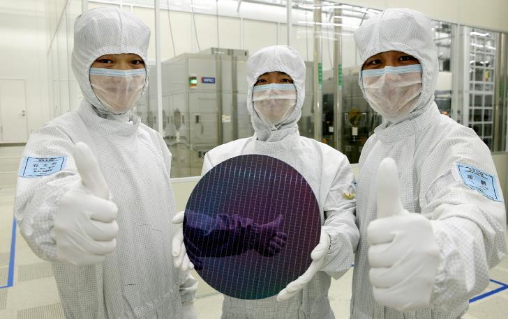 В Китае началась реализация крупного проекта по производству флэш-памяти