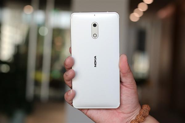Открылся предзаказ на Nokia 6 в серебристом цвете (+ фотообзор)
