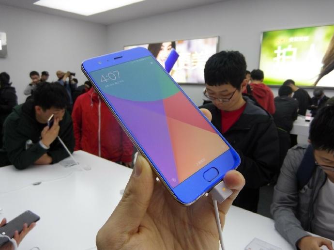 Фотографии Xiaomi Mi 6 во всех доступных цветах