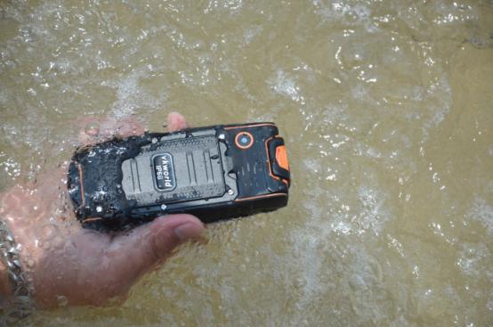 Защищенный по IP68 телефон с хорошей камерой всего за $ 19.99