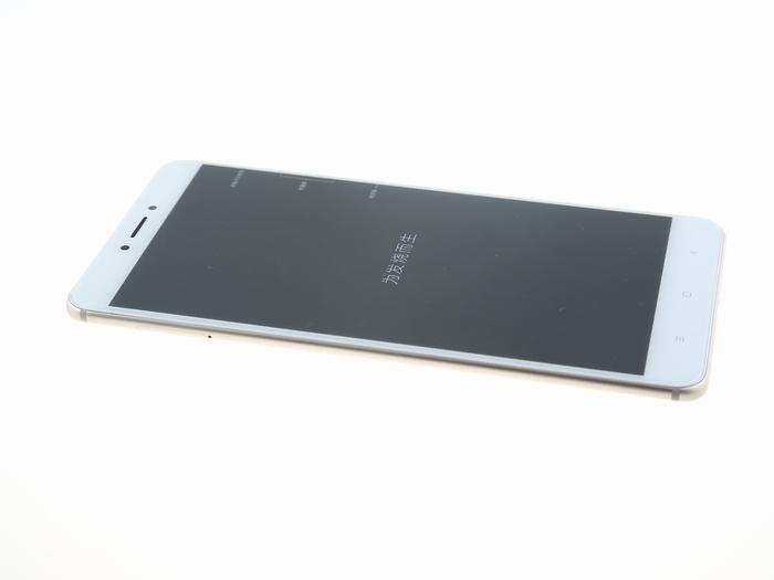 Опубликованы фотографии разобранного Xiaomi Mi Max 2
