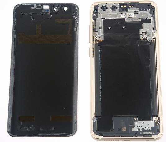 Разобранный Huawei Honor 9 показан на фотографиях