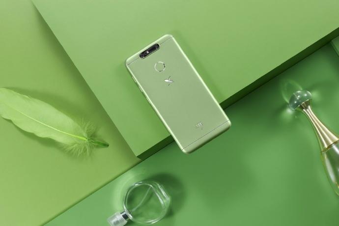 Представлен смартфон ZTE Small Fresh 5