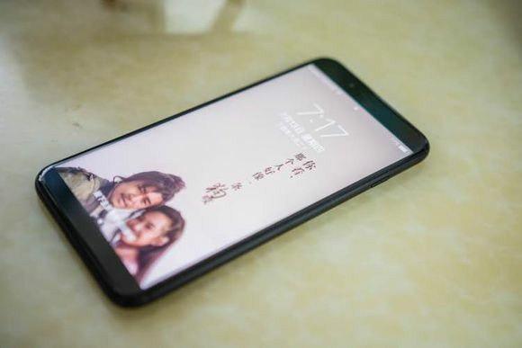 "Смартфон Xiaomi X1 показали на первом ""живом"" фото"