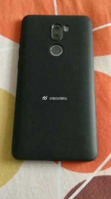 Xiaomi Redmi Note 5 случайно попал на фото