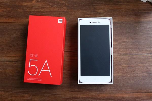 Опубликована подборка фотографий с распаковки Xiaomi Redmi 5A