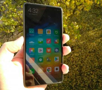 Обзор Xiaomi Mi MIX 2 — этот еще лучше