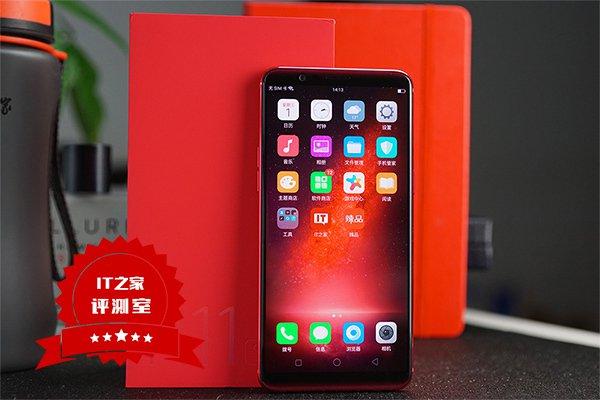 Появилась подборка фотографий Oppo R11S в красной расцветке