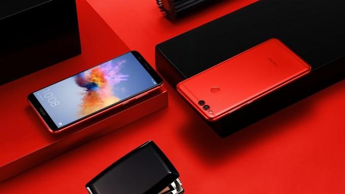 Анонсирована ограниченная серия смартфона Honor 7X Red
