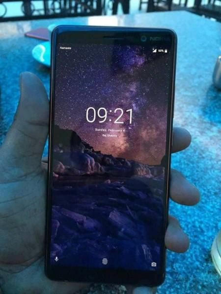 Опубликовано «живое» фото Nokia 7 Plus