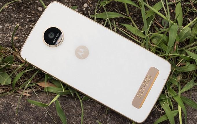 Lenovo отрицает массовые сокращения в Motorola