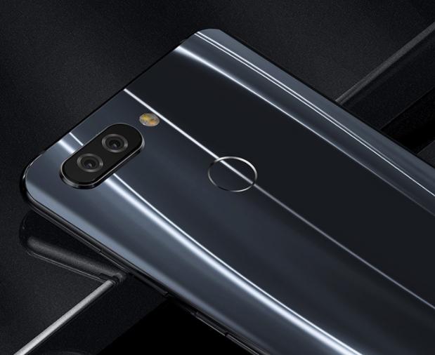 Представлен смартфон Hisense V+ набазе чипа Snapdragon 660
