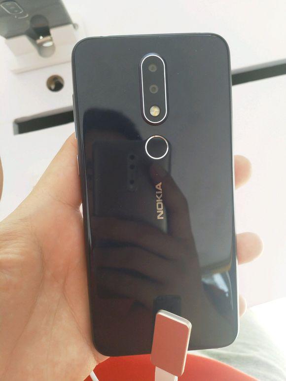 Смартфон Nokia X (Nokia X6) показали на реальных фотографиях