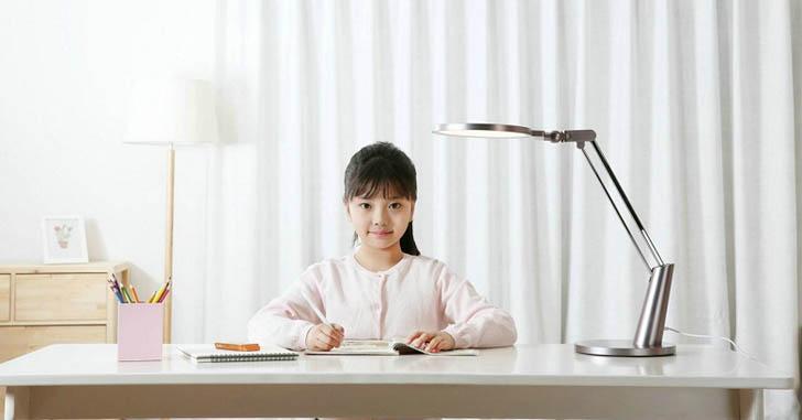 Умную настольную лампу Xiaomi Yeelight Eye Lamp Pro представят завтра