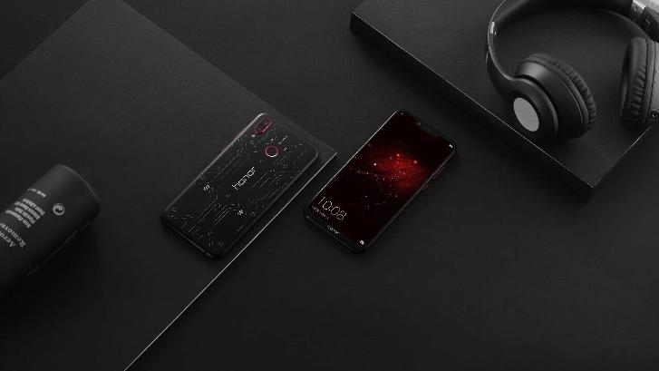 Honor выпустила игровой смартфон Play