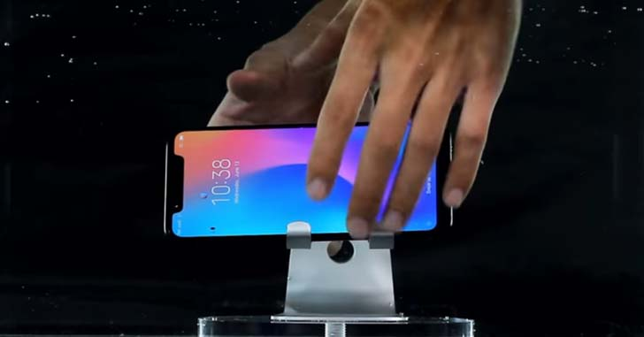 Флагман Xiaomi Mi8 подвергли водным процедурам