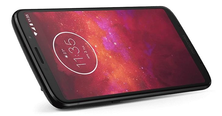 Смартфон Moto Z3 Play получил топовую версию 6/128 Гб