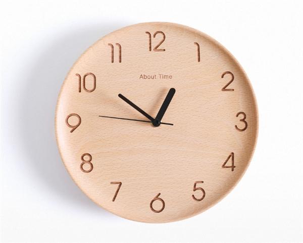 Xiaomi Wooden Digital Wall Clock - деревянные настенные часы за $31