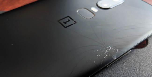 Владельцы OnePlus 6 жалуются на трескающиеся задние панели