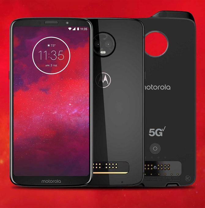 Представлен Moto Z3 и внешний модуль с поддержкой сетей 5G