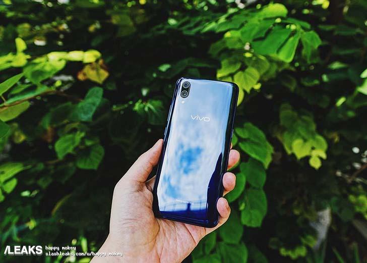 Смартфон Vivo X23 на очередных реальных фотографиях